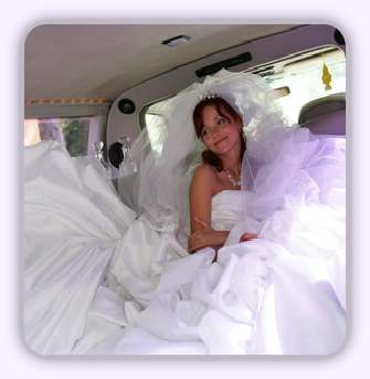 essex bride in her wedding car
